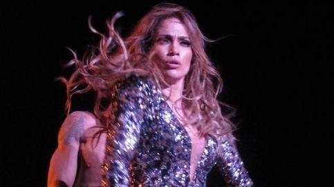 Jennifer Lopez enseña más de la cuenta tras estallar su vestido en pleno concierto