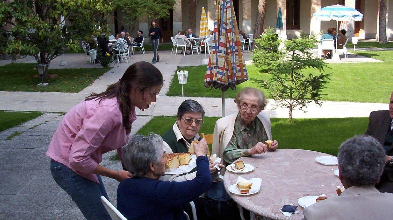 El servicio social de un colegio jesuita: Para aprobar es obligatorio ayudar a los demás