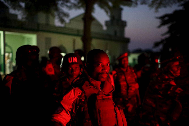 Foto: Soldados de las Fuerzas de Paz de Naciones Unidas se preparan para asegurar una zona de Bangui, en República Centroafricana, el 30 de noviembre de 2015 (Reuters).