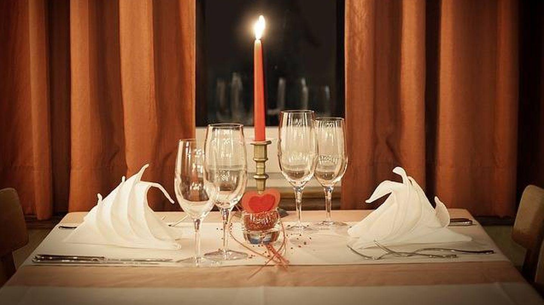 Una buen plan es una cena romántica.