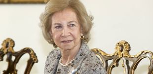 Post de Doña Sofía demuestra en Lisboa que ella también reina en elegancia: un look de 10