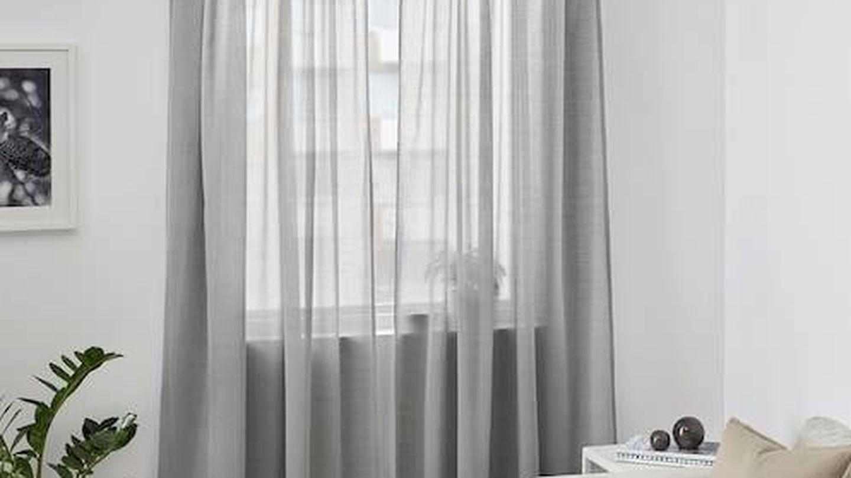 Estores grises Hilja (12 euros) de Ikea. (Cortesía)