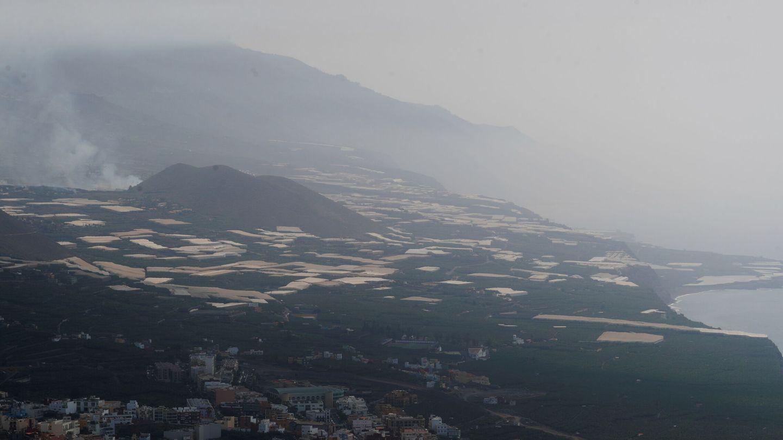 La montaña de Todoque y sus alrededores, durante la erupción actual. (Reuters)
