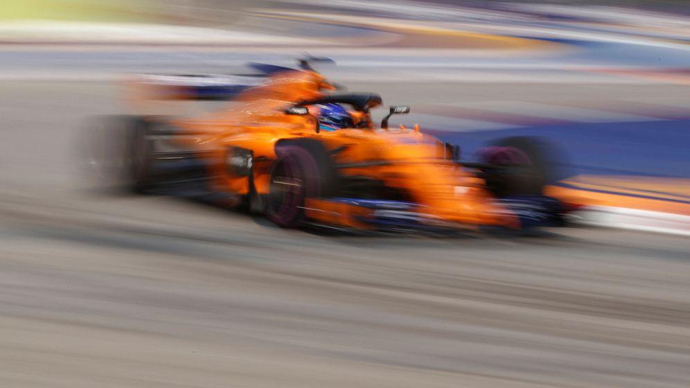 Foto: Fernando Alonso, octavo en la segunda sesión de libres del GP de Singapur (REUTERS)