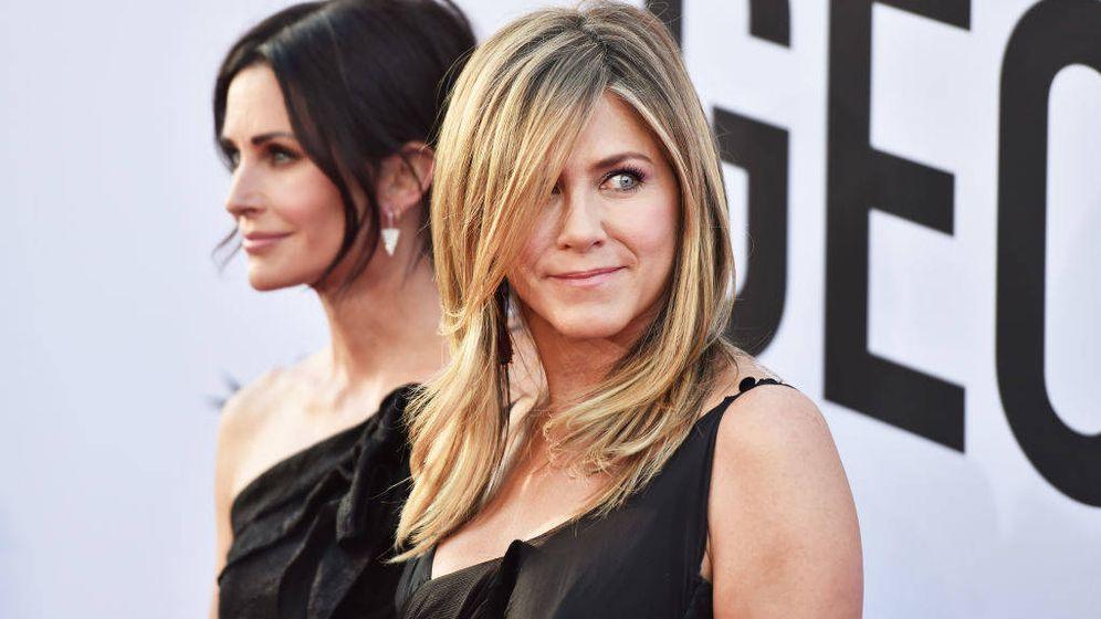 Foto: Jennifer Aniston y Courtney Cox demuestran que el tiempo no ha pasado tanto por ellas (Getty Images)