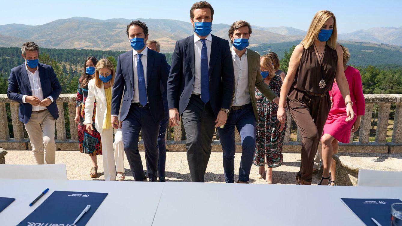 Foto: El presidente del PP, Pablo Casado, preside la reunión de la Junta directiva nacional de su partido, este miércoles en Ávila. (EFE)