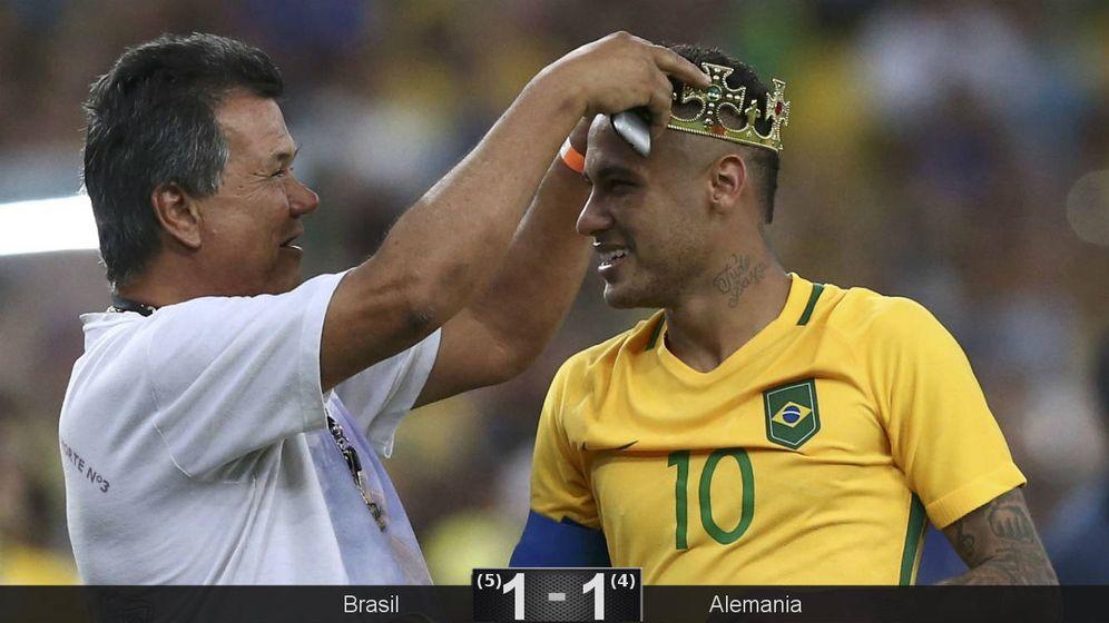 Foto: Neymar por fin logró una corona con Brasil (Marcos Brindicci/Reuters).