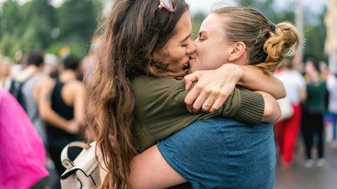 Aprende a hacerlo bien: así son los besos que más le gustan a la gente