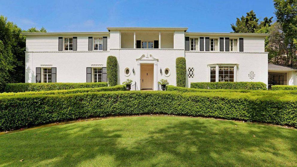 La casa de Ronald Reagan (y de la serie 'Feud') que se vende por 7 millones de dólares