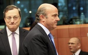 """El BCE a Guindos: """"¿Hueles eso? ¿Lo hueles, muchacho? Son billetes de 50 cayendo del cielo"""""""