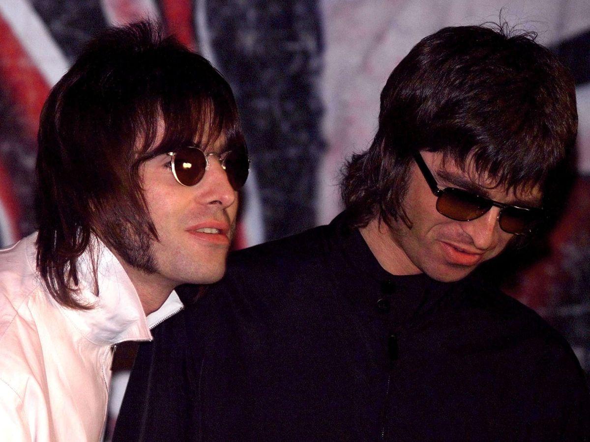 Foto: ¿Es posible que Liam y Noel Gallagher vuelvan a tocar juntos? (Reuters/Dylan Martinez)