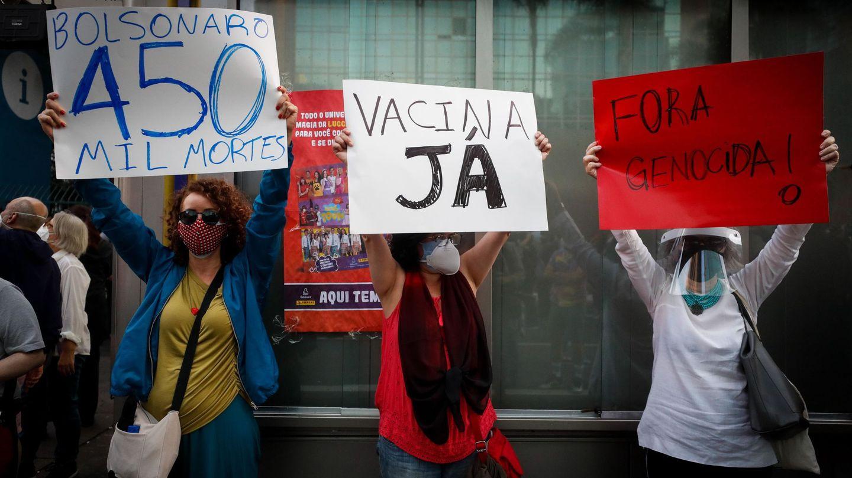 Manifestación en Brasil pidiendo vacunas. (EFE)
