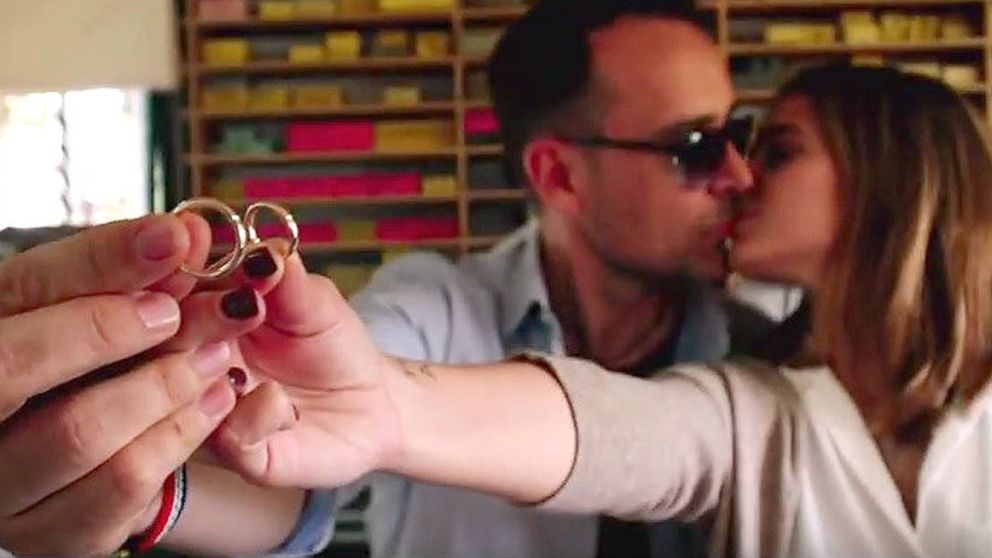 Así hicieron Risto y Laura sus alianzas de boda con joyas fundidas de su familia