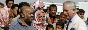 El príncipe Carlos y Camila visitan a los refugiados sirios en Jordania