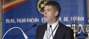 El nuevo 'Ángel' Villar sigue el 'Camino' de Escrivá