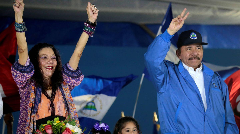 Daniel Ortega y su esposa y vicepresidenta de Nicaragua, Rosío Murillo. (Reuters)
