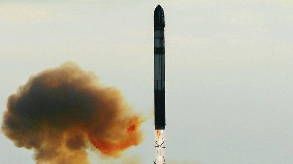 Foto: Prueba de un misil SS-18 'Satán', al predecesor del Sármata.