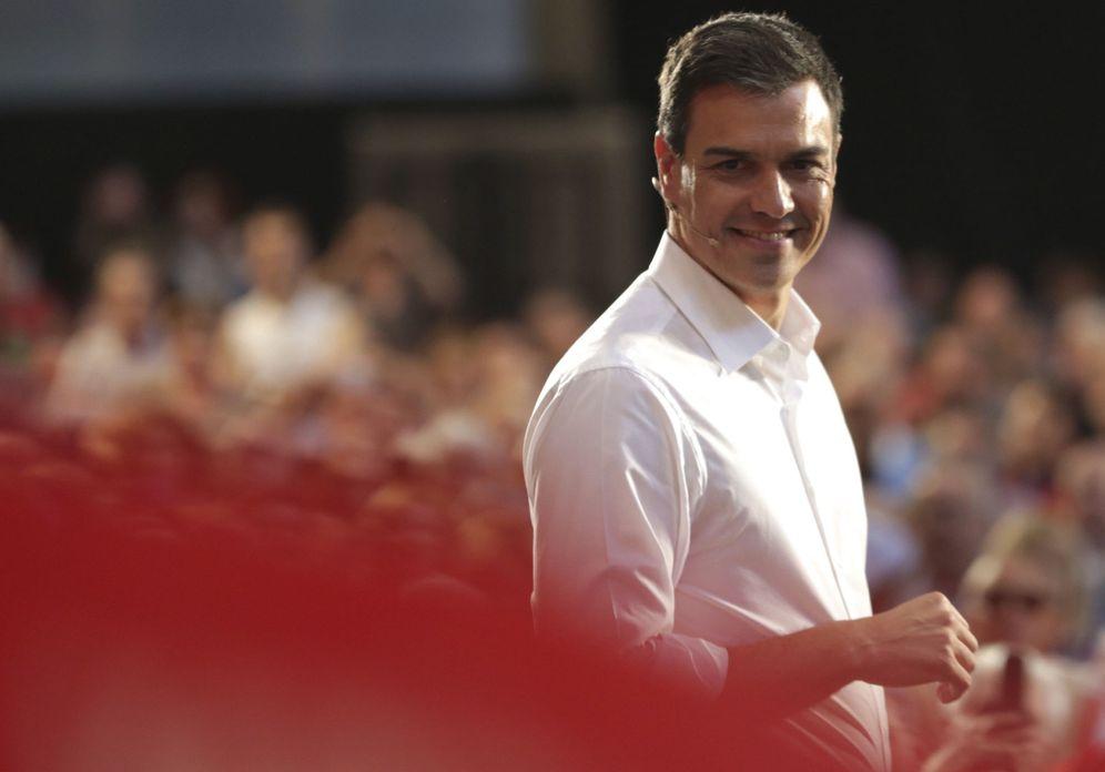 Foto: Pedro Sánchez, durante su mitin en la sala multiusos del Auditorio de Zaragoza, este 19 de junio. (EFE)