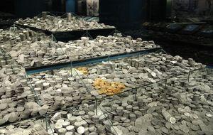 El tesoro de la 'Mercedes' llena de oro un Arqueológico en precario