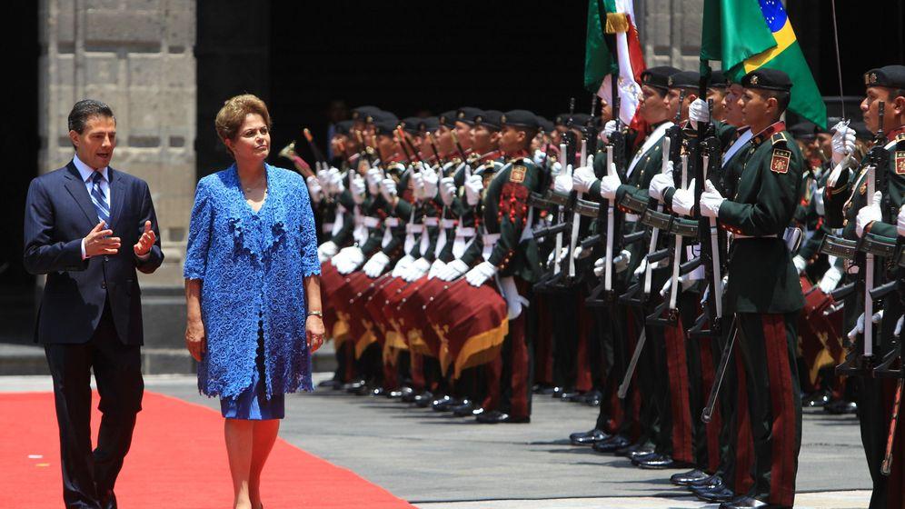 Foto: Peña Nieto recibe a Rousseff en su reciente visita a México (Efe)