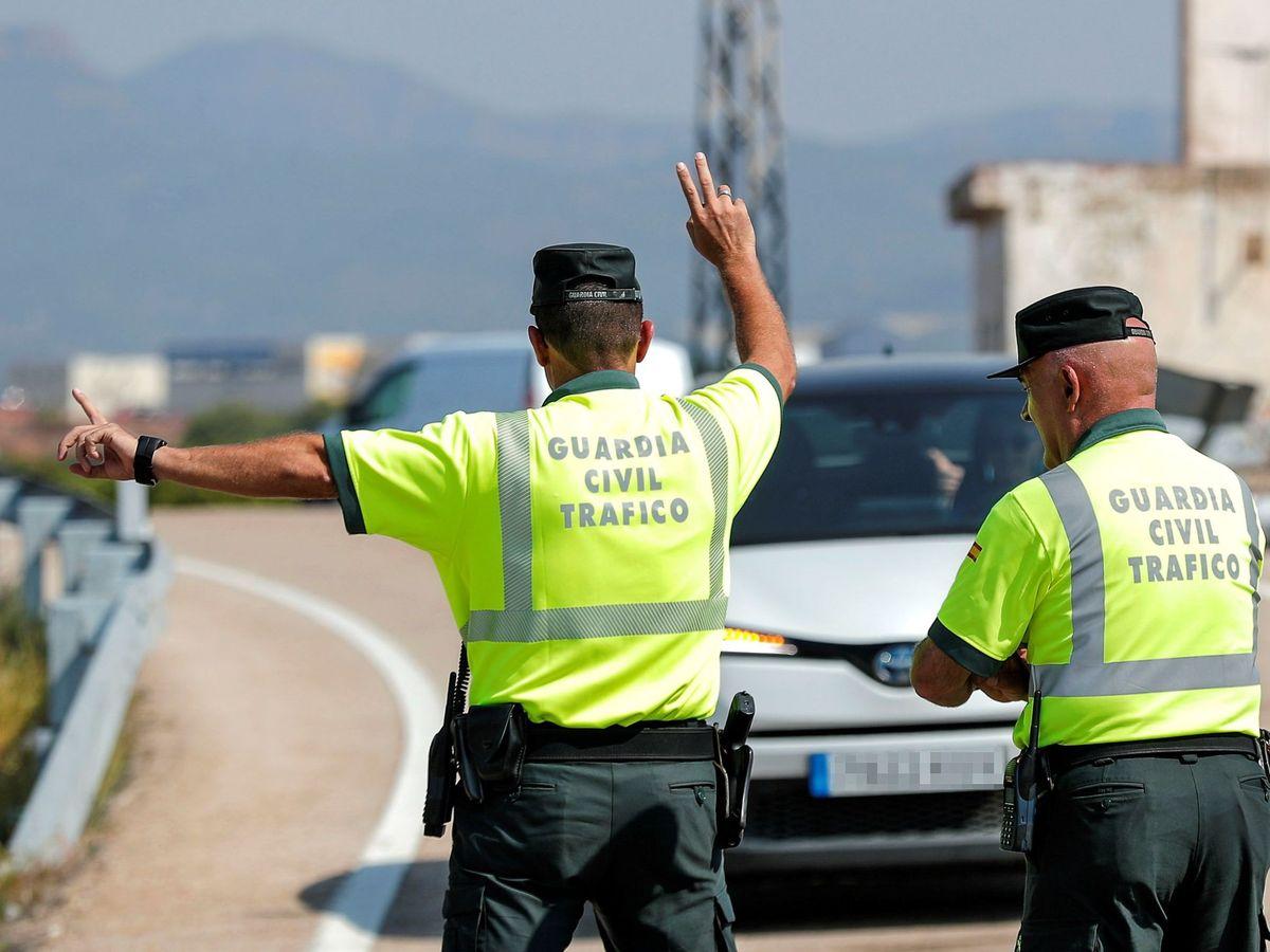 Foto: Control de tráfico de la DGT. (EFE)