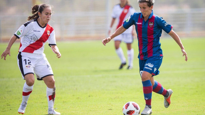 El nuevo convenio obliga al Rayo Vallecano a llevar al femenino al estadio dos veces al año