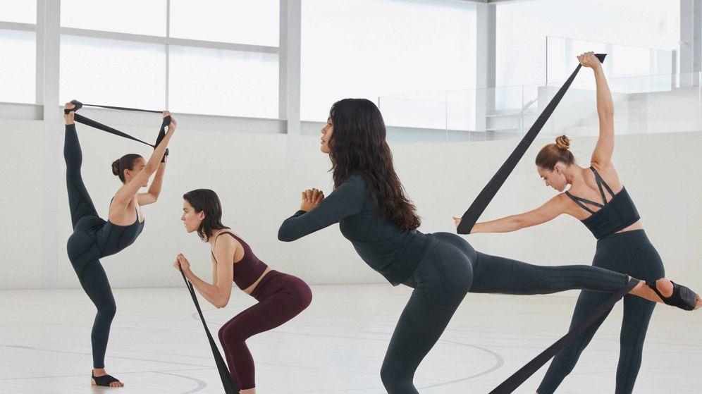 Foto: Disfruta de tu rutina de yoga y pilates con lo nuevo de Oysho. (Cortesía)
