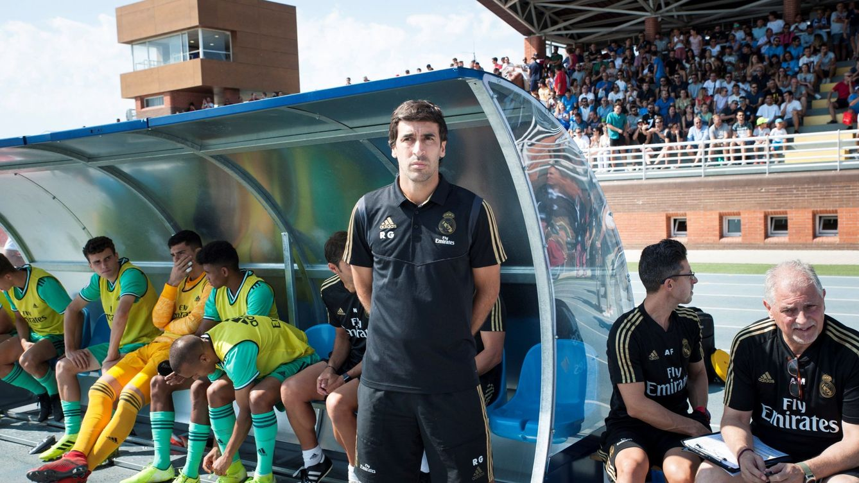 Raúl pincha como entrenador igual que Zidane, pero no a ojos de Florentino Pérez