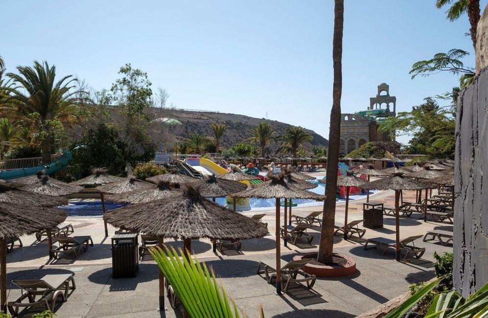 Foto: El Aqualand de Maspalomas (Gran Canaria), desierto en Semana Santa, el pasado 10 de abril. (EFE)