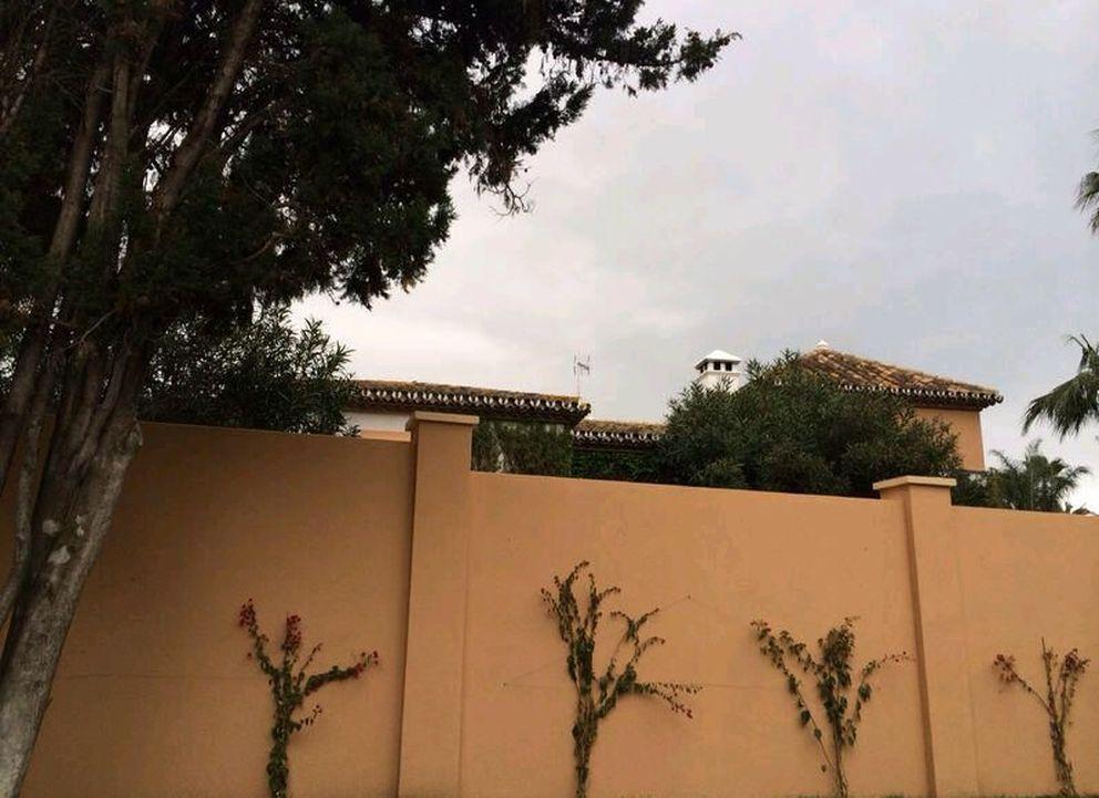 El muro que rodea la nueva casa de los Aznar (Vanitatis)