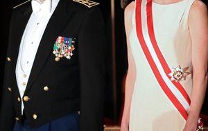 El comprometido tocado de Letizia en la investidura de los reyes de Holanda