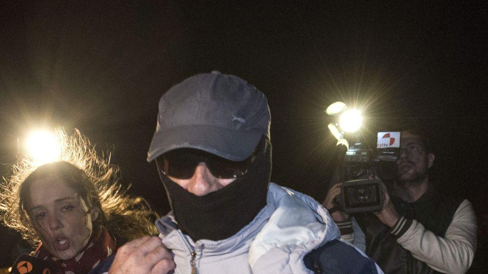 Foto:  Pedro Luis Gallego Fernández, conocido como el violador del ascensor a su salida de la prisión Alcalá-Meco (Madrid) (Efe)