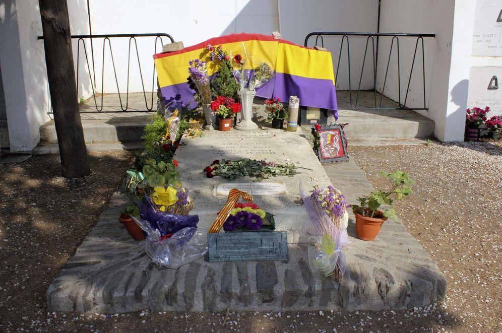 Foto: La tumba del poeta Antonio Machado, en la localidad francesa de Collioure, en 2014. (EFE)