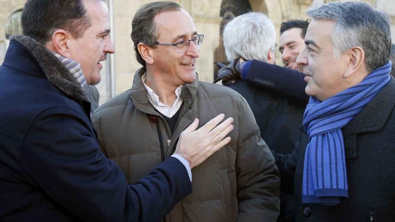 Alonso e Iturgaiz, la noche y el día en el PP: del rechazo a Vox a pedir aunar fuerzas