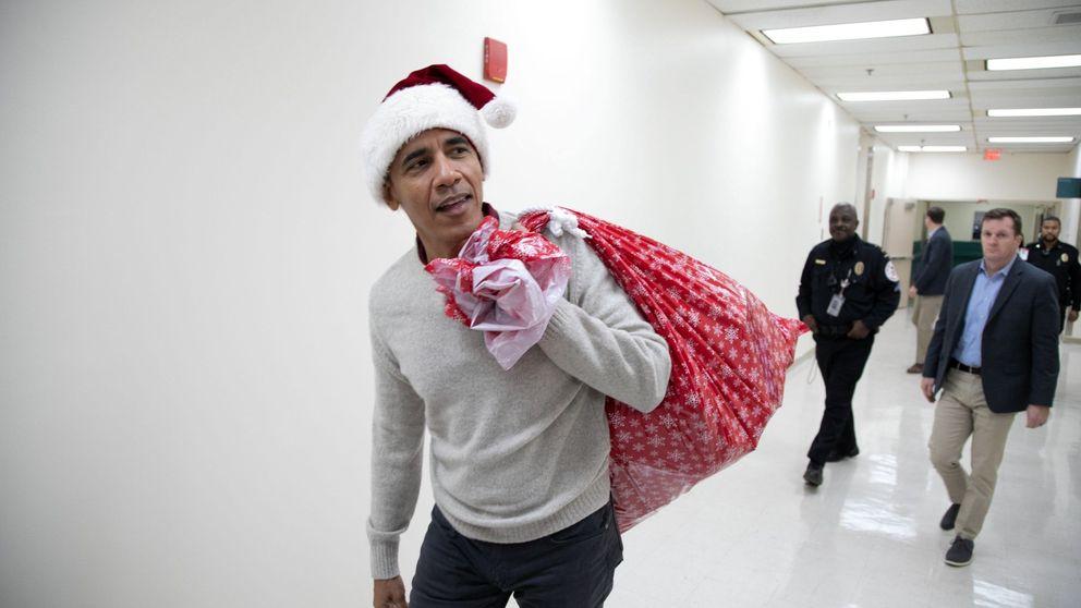 Obama se convierte en Papá Noel y alegra la Navidad a los niños enfermos