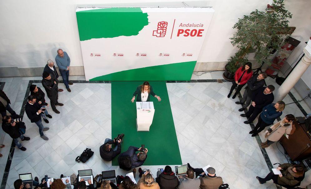 Foto: Susana Díaz, durante su comparecencia en la sede del PSOE andaluz, en la calle de San Vicente de Sevilla, este 11 de enero. (EFE)
