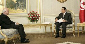 Moratinos viaja a Argelia en pleno conflicto en el Sáhara