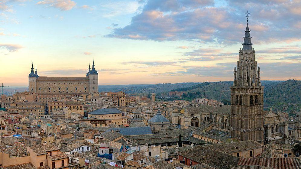 Foto: Panorámica de la ciudad de Toledo (CC/Diliff)