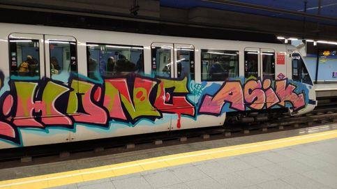 Asalto nocturno a la estación fantasma de la Línea 12: todos los trenes, pintados de grafitis