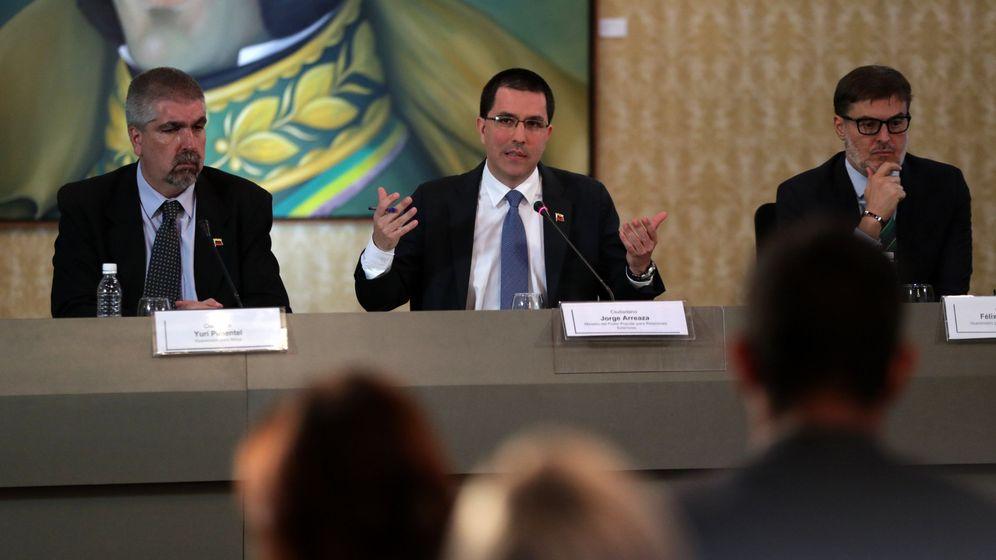 Foto: Félix Plasencia, ministro venezolano de Turismo, a la derecha de la imagen. (EFE)
