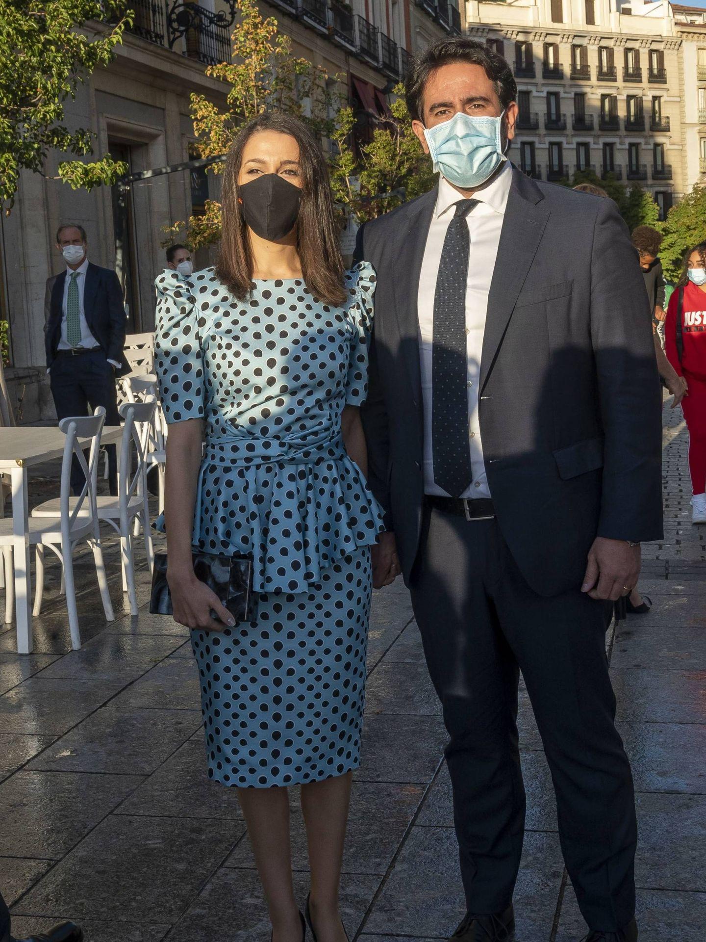 Inés Arrimadas y su marido. (CP)