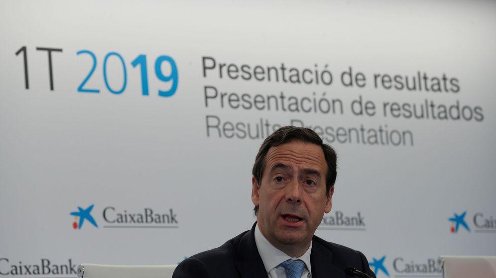 Foto: Gonzalo Gortázar, en la presentación de resultados de Caixabank en Valencia. (EFE)