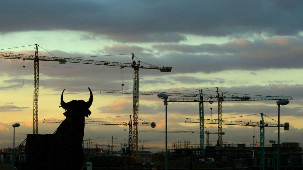 Foto: Grúas de construcción inmobiliaria. (Reuters)