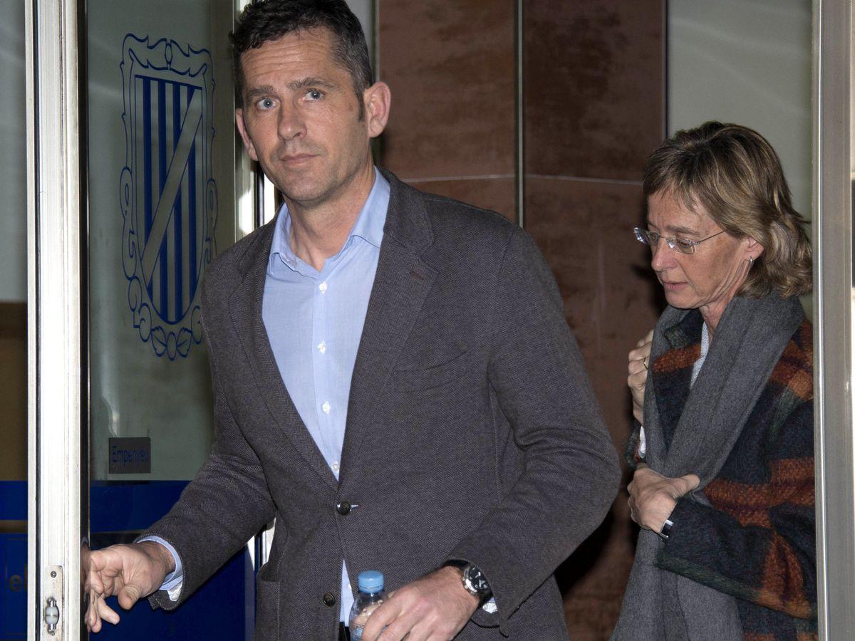 Foto: Mikel y Clara Urdangarin, en el juicio de Nóos. (EFE)