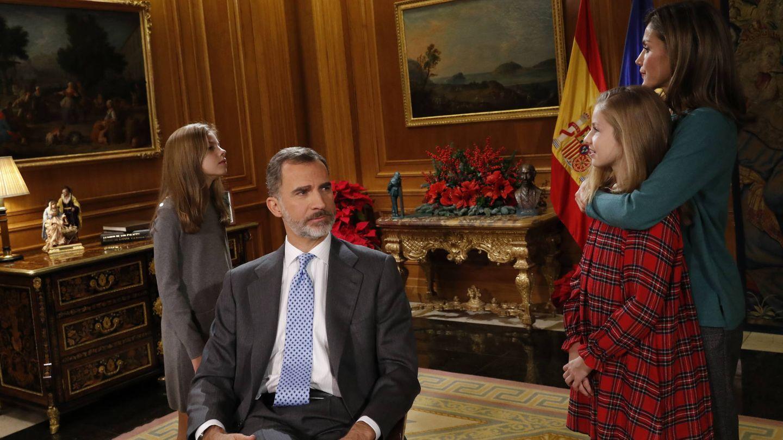 La familia real en un momento de la grabación del mensaje de Navidad del Rey. (Casa Real)