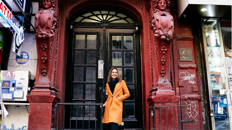 María Dueñas en la calle 14 de Nueva York. (Carlos Luján)