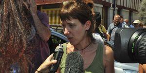Simpatizantes de la abertzale Aurore Martin logran impedir su entrega a España