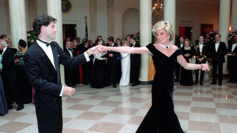 La princesa Diana y Travolta, bailando en la Casa Blanca. (Cordon Press)