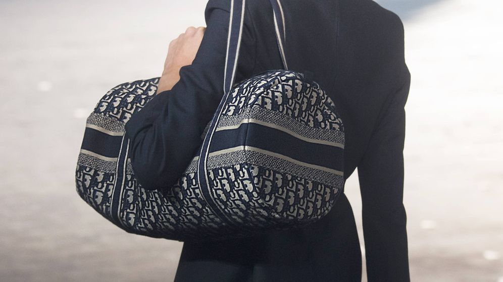 Foto: Dior es una de las marcas más perseguidas y ahora sí puedes comprar uno de sus bolsos. (Imaxtree)