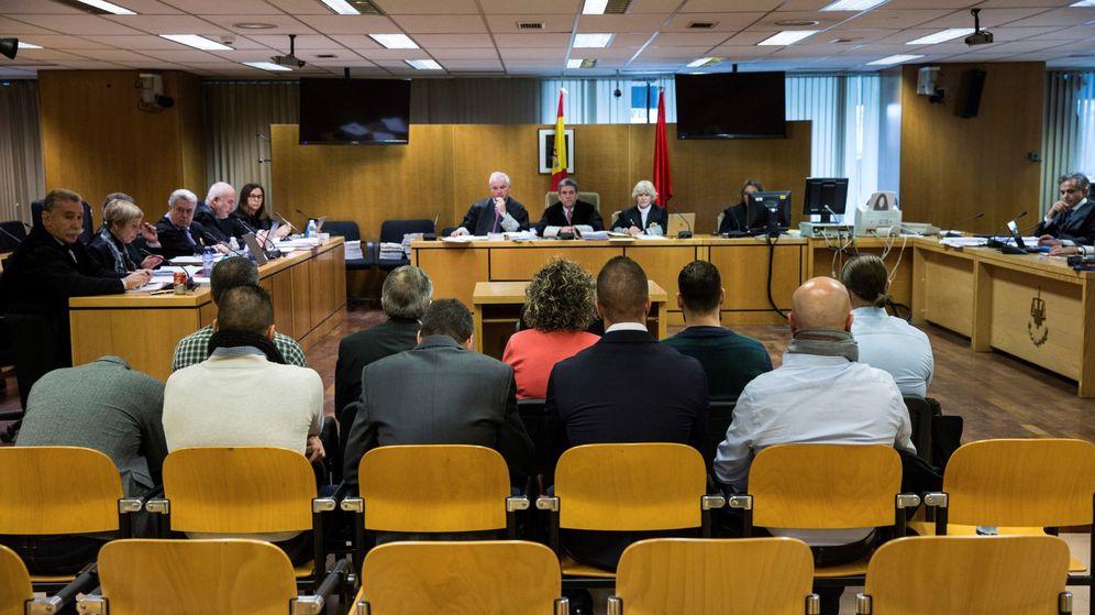 Foto: Vista oral contra el exjefe de la Policía Local y sus agentes. (EFE)